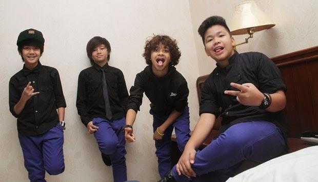 http://karangtarunabhaktibulang.blogspot.com/2014/03/daftar-semua-lagu-coboy-junior-terlengkap-sepanjang-karir.html