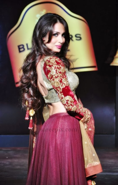 Malaika-arora-ramp-walk-Blenders-pride-fashion-tour-2013
