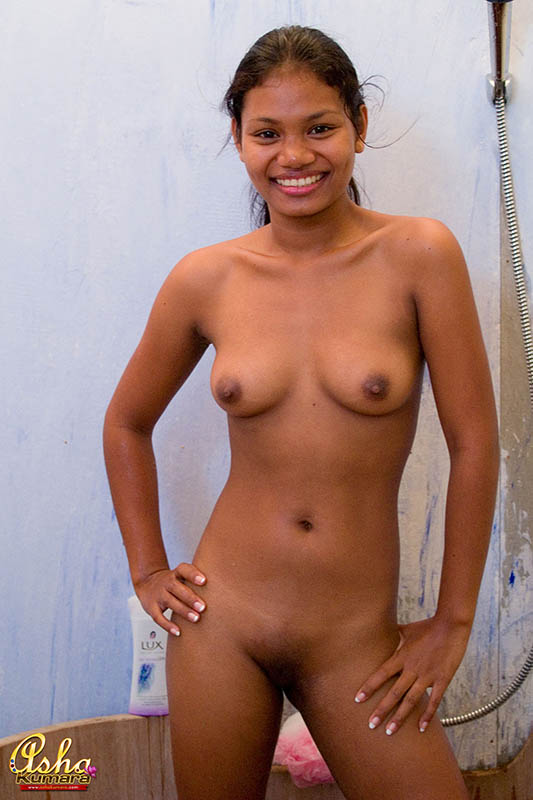 Sey Asha Taking Nude Bath