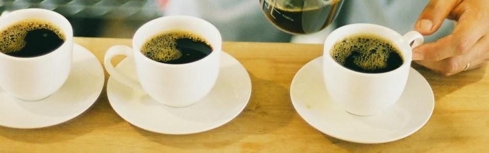 Relaxe deliciando um otimo cafe e pao