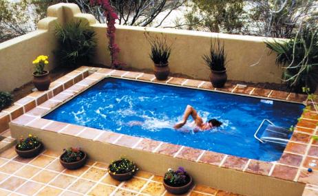rumah di depok: desain kolam renang minimalis di rumah