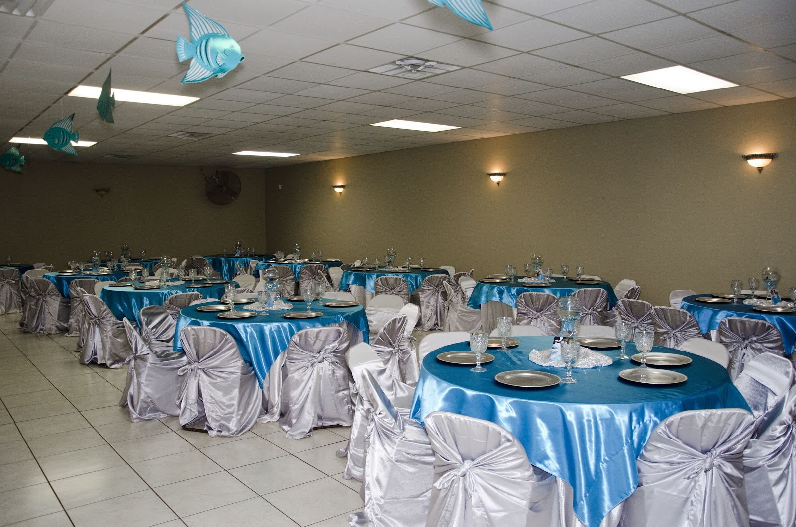 Quinceanera hall decorations blue for Hall decoration items