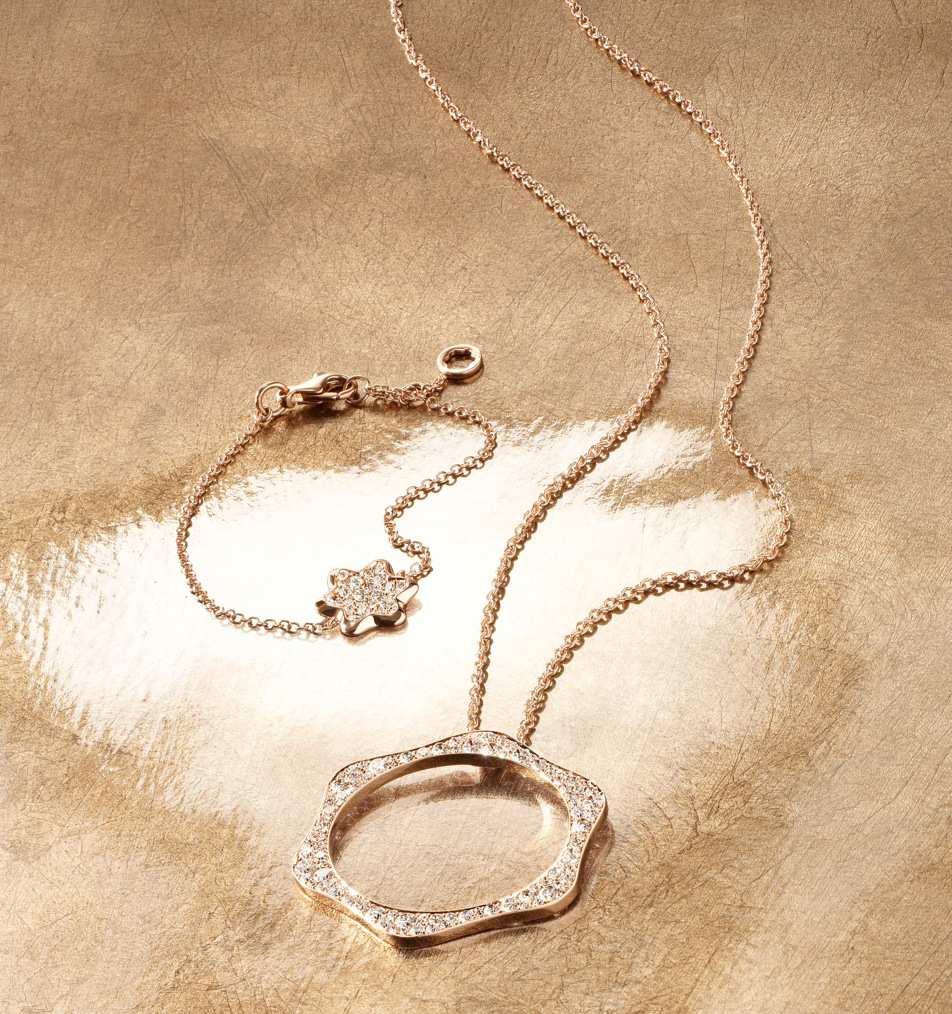 44471af3b3c3d Montblanc 4810 Pendant and bracelet in 18k pink gold and pavé of various  sized diamonds.