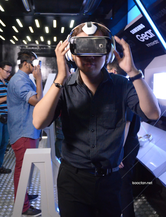 Immerse in the 360 degrees virtual reality world