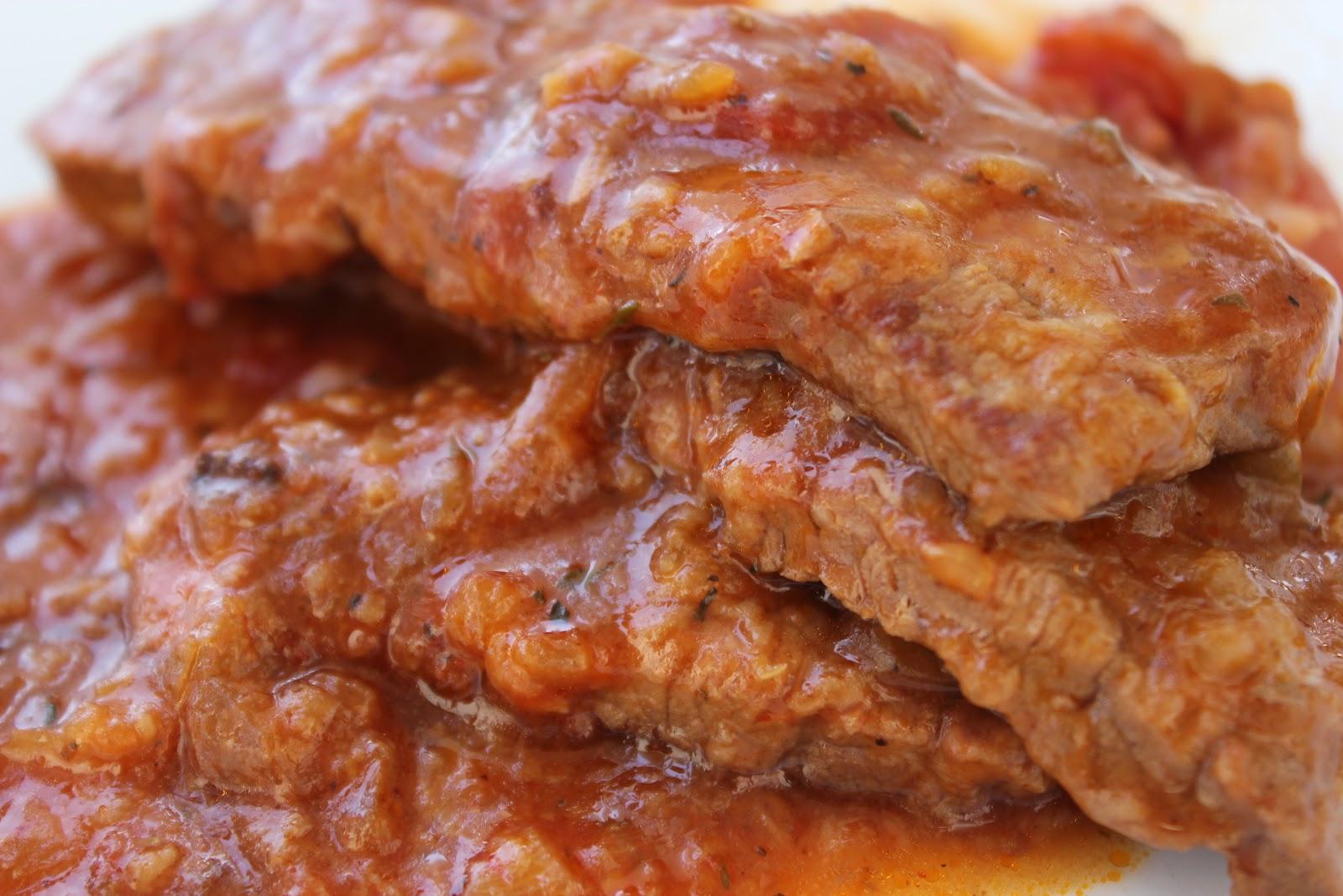 The Classy Kitchen: Super Easy Swiss Steak