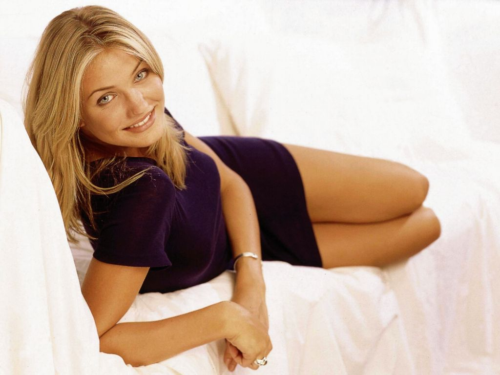 Cameron diaz hot pictures photo gallery wallpapers for The mask photos gallery