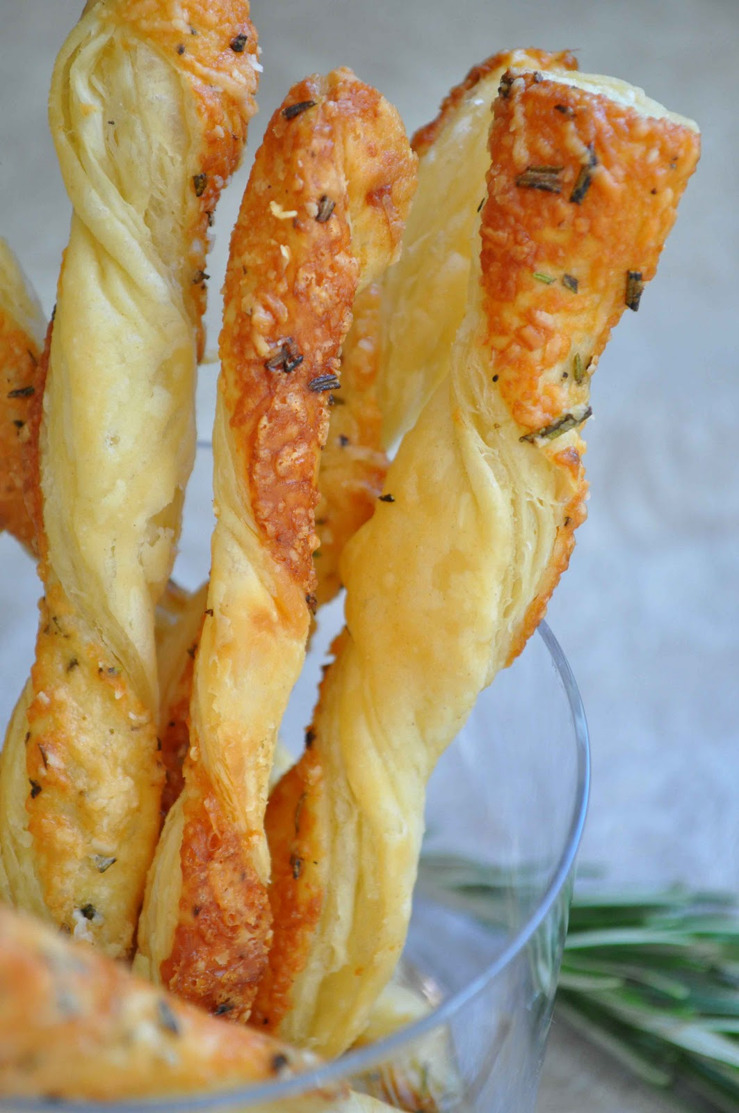 The Ginger Snap Girl: Rosemary Cheese Straws
