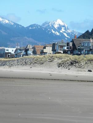 photo of Rockaway Beach Oregon by Nancy Zavada