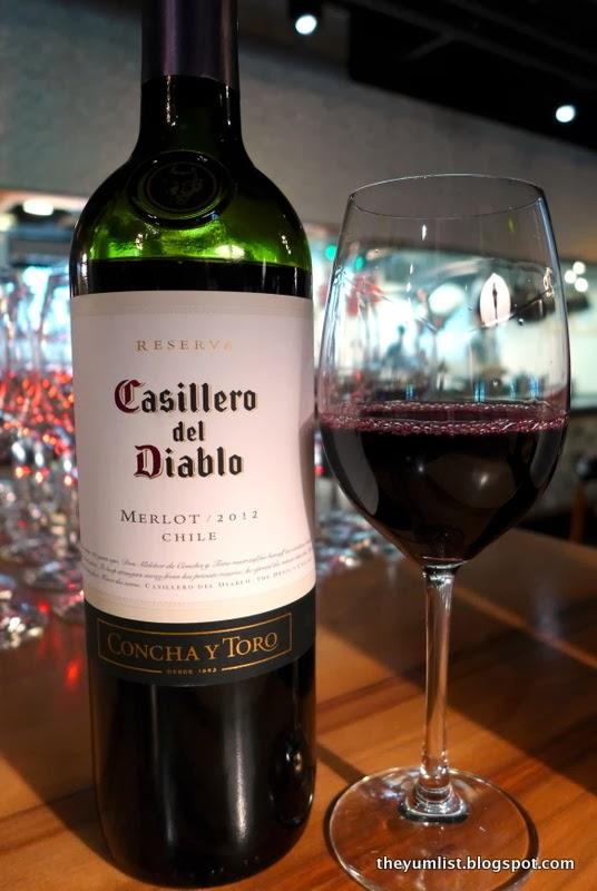 Kết quả hình ảnh cho casillero del diablo merlot2015