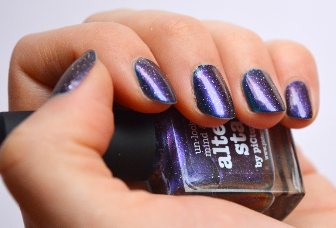 Freutag - Nagellackliebe! Altered state - piCture pOlish