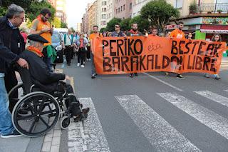 Cientos de personas se manifiestan en apoyo a Periko Solabarria y contra los juicios