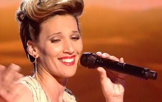 La Flaka canta el tema Hoy de Gloria Estefan