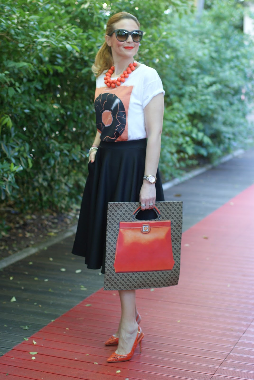 Gherardini Piattina Anniversary bag, orange flat bag, Le Silla shoes, Fashion and Cookies fashion blogger