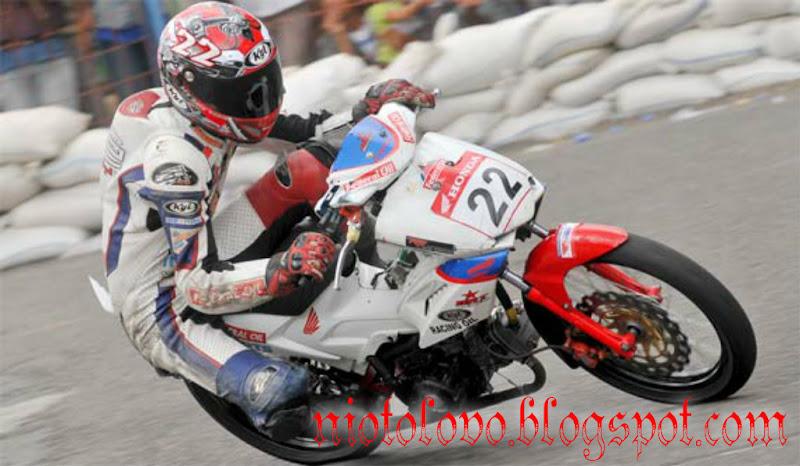 stroke up di Honda Blade milik Andre Gayung dari Cimone, Tangerang title=