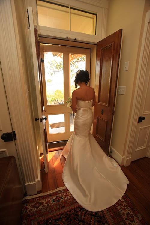 mount vernon farm bride waiting to walk