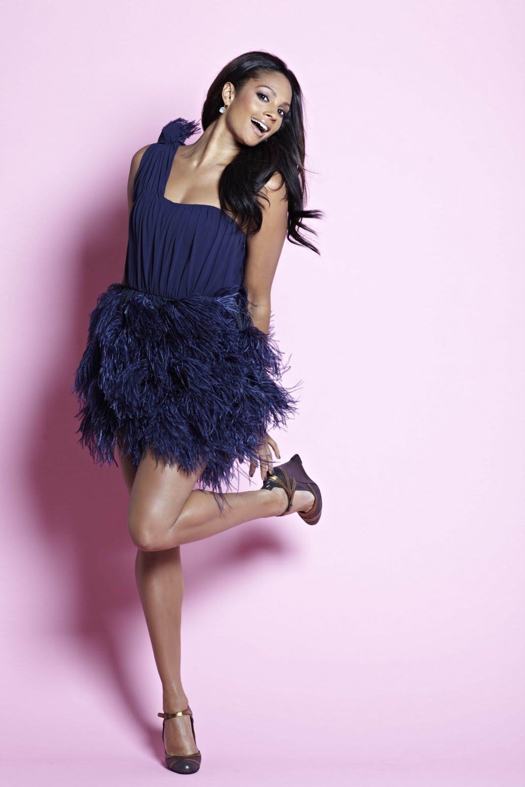 http://4.bp.blogspot.com/-HUzKrgca9n8/TnHonljACVI/AAAAAAAABMs/kMLe8mAJ0_k/s1600/Alesha+Dixon+beautiful+business+model+%252845%2529.jpg