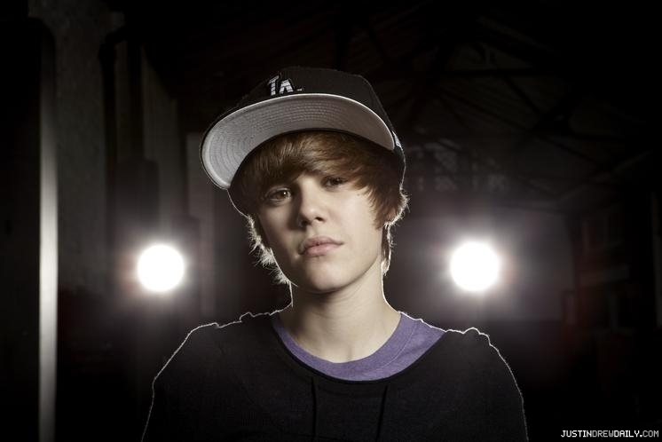 justin bieber 2011 new haircut wallpaper. makeup justin bieber 2011 new