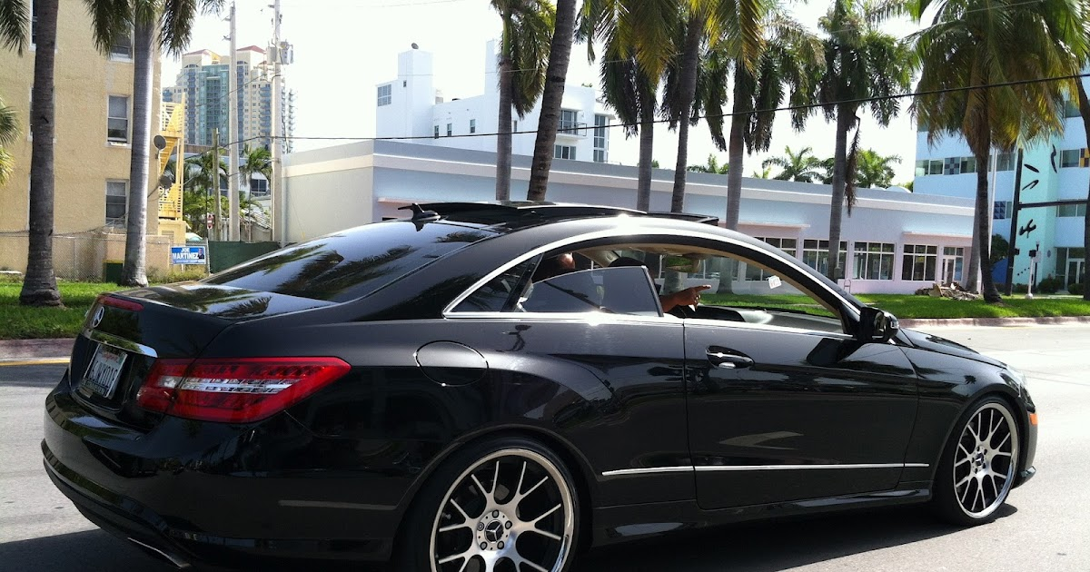 Exotic cars on the streets of miami black mercedes e550 for Black rims for mercedes benz e350