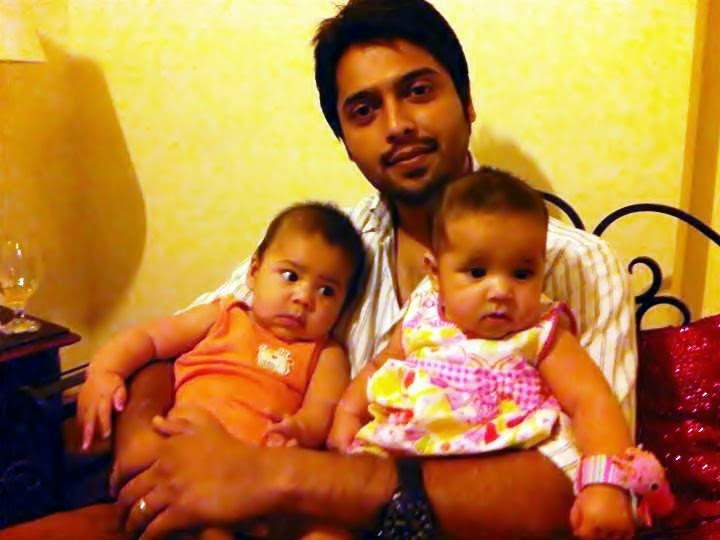fahad mustafa with family and wife   world business