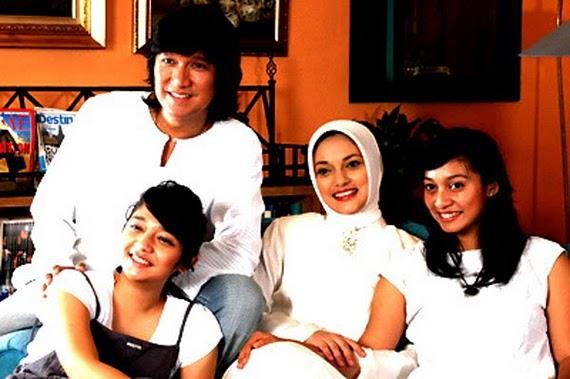 Keluarga Besar Ikang Fawzi & Marissa Haque ingin Semua menjadi KAGAMA