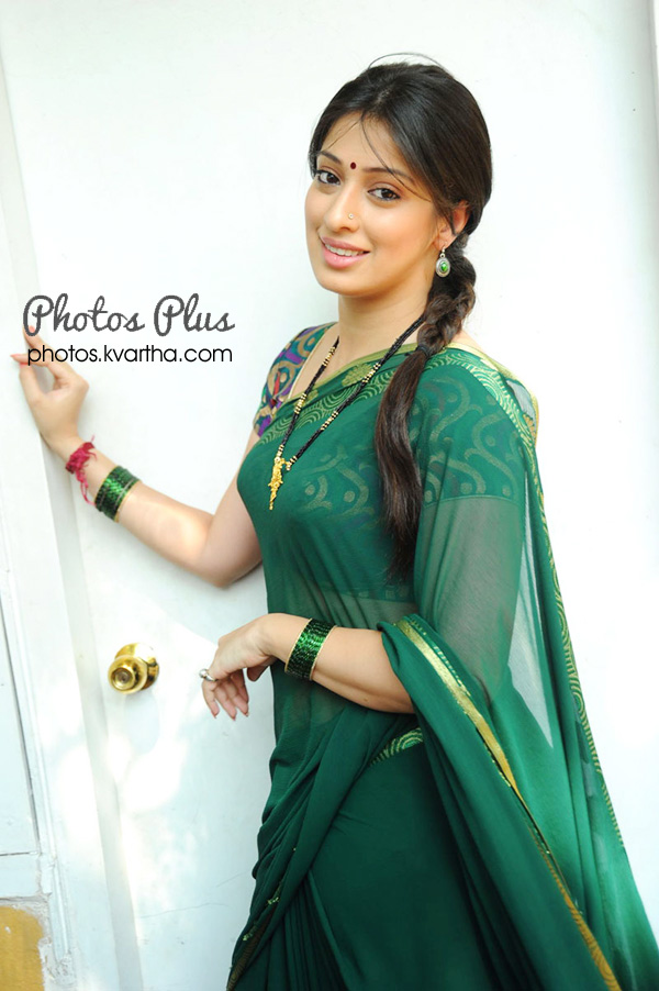 Lakshmi Rai, Indian film actress, Tamil film, Rock N' Roll, Arabian Safari, Preview, Lakshmi Rai Latest News, Photos, Biography, Videos and Wallpapers, Lakshmi Rai Gallery stills, images clips, Tamil Actress, Tamil movies, Tamil trailers, Tamil film gallery wallpapers, previews, reviews.