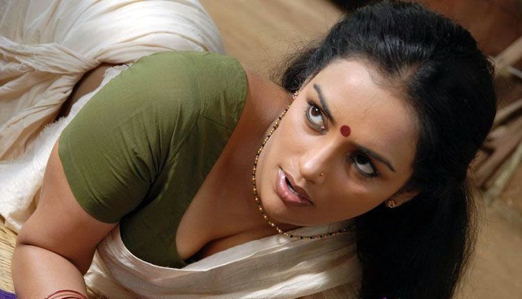 Thaaram Tamil Movie Hot Stills and Wallpaper Gallery hot photos