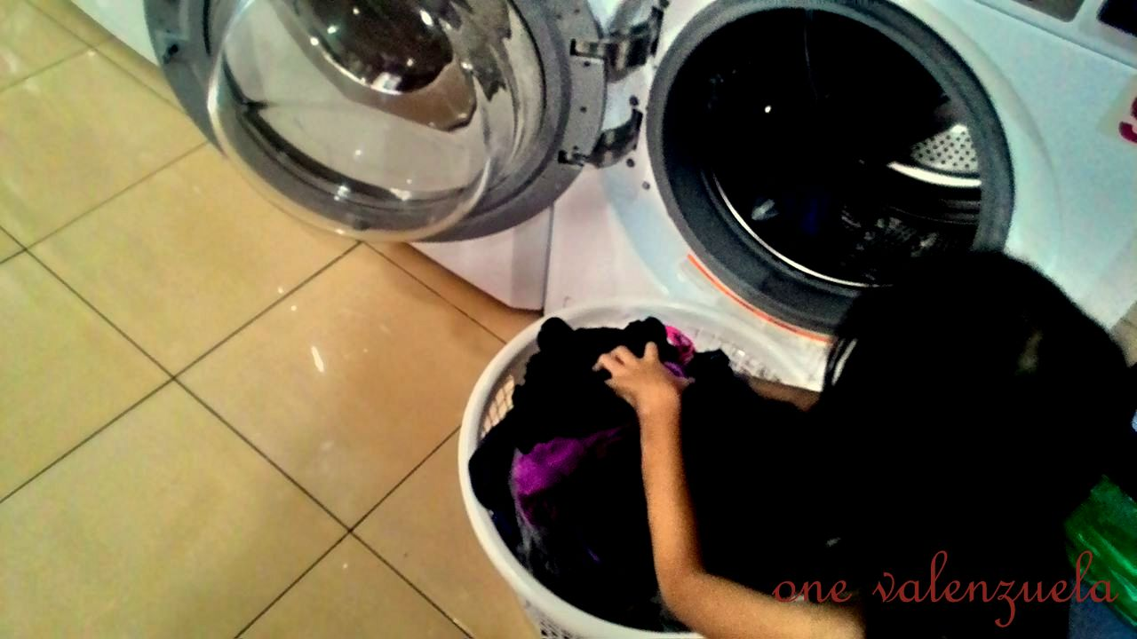 A morning at laundry in a hurry tamaraw hills valenzuela city ready for the dryer little one valenzuela enjoys doing the laundry mom and daughter also had the chance to play uno card game while waiting solutioingenieria Choice Image