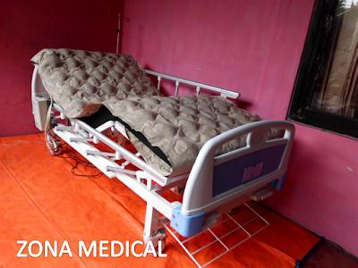Tempat Tidur Pasien Rumah Sakit ABS 2 Crank SELLA [ RZ-30C ]