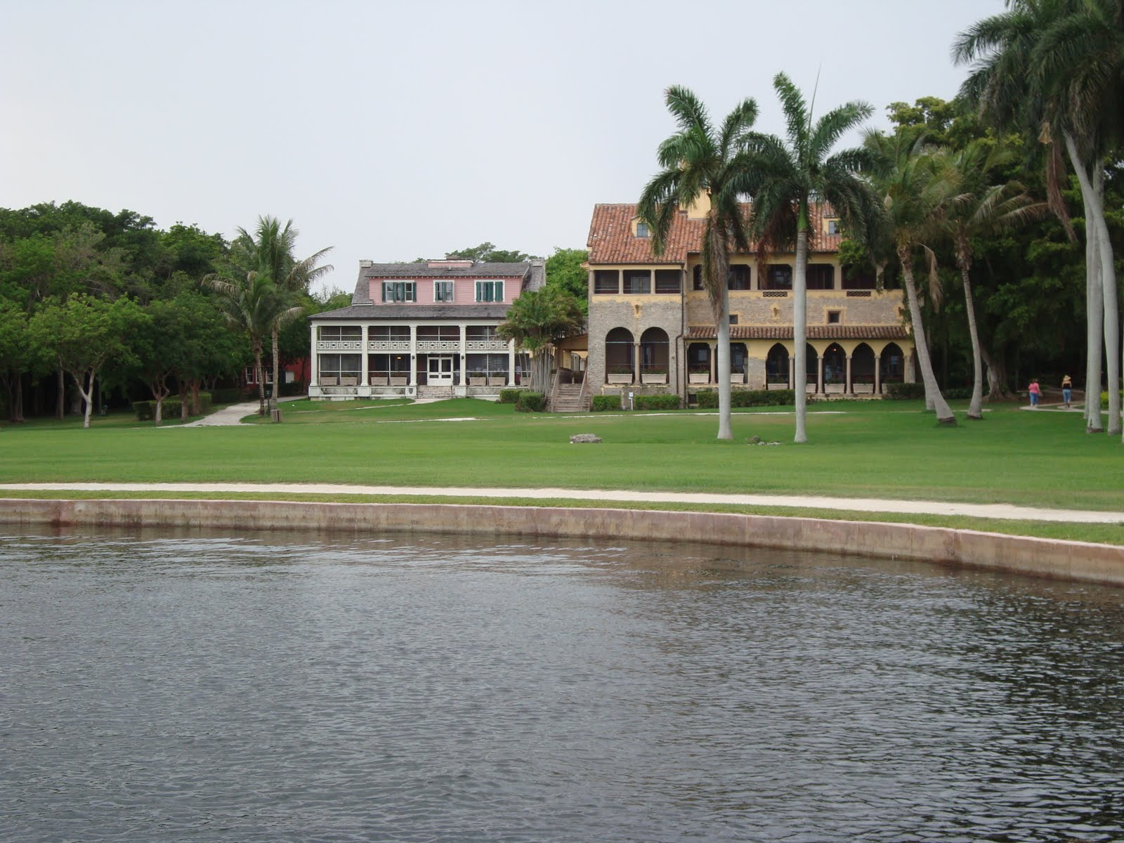 dean farris style deering estate at cutler south miami i found the siting of the house s rather strange