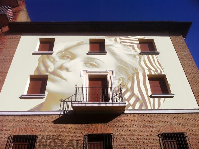 La fachada, 2013 Abbé Nozal