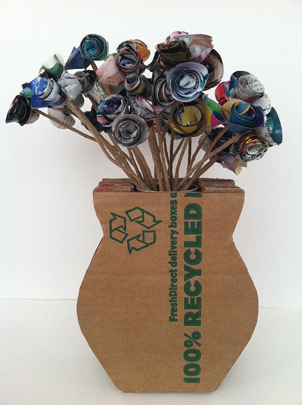 Florero de Material Reciclado Cartón