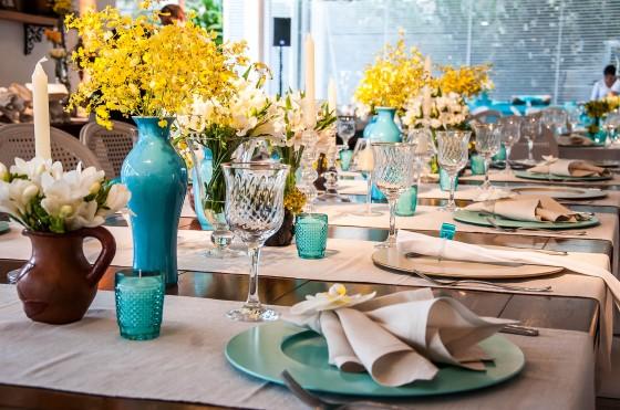 Morena Flor Glamour Casamento Decoraç u00e3o com Azul Tiffany, Branco e Amarelo Ouro