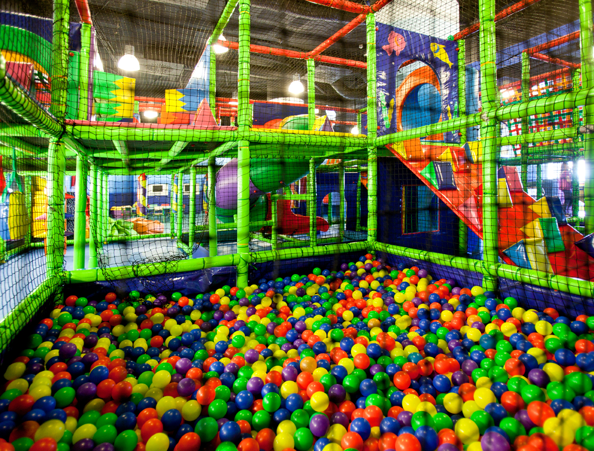 Diversi n infantil piscinas de bolas aventurae for Piscina de bolas para bebes
