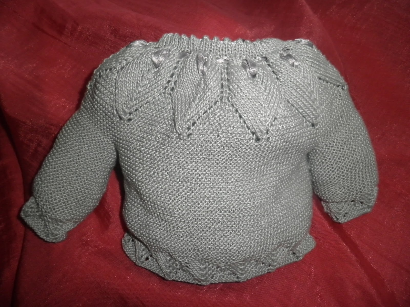 Vistoso Patrones Que Hacen Punto Para Tejer Suéteres Bebé En Una ...