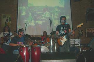 Buitre y La Otra - Ojos lindos (Mitos Argentinos 2010) video en vivo