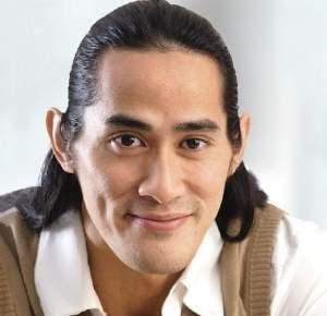 Biografi Ade Rai - Binaragawan Indonesia