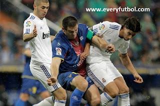 Real Madrid Derroto Al Levante ( 2-0 )