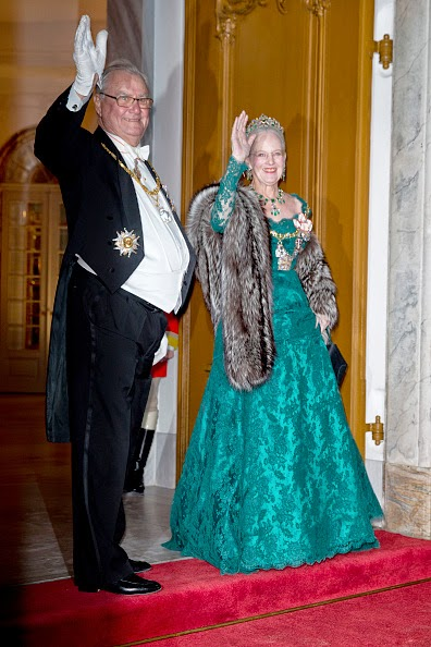 Royal Family Around the World: Queen Margrethe Hosts New Year\'s ...