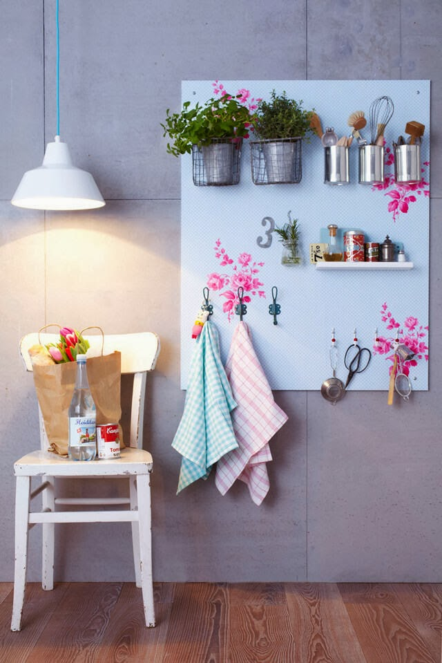 Pegboard and Hooks from 101 WOONIDEEEN