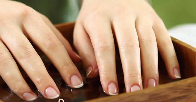 como fazer unhas Faça seu esmalte durar mais tempo