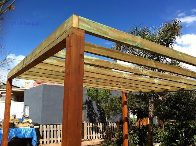 Como construir una pergola finest pergola terraza with for Como hacer una pergola de hierro