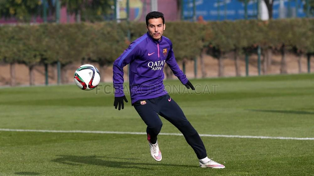 Pedro maillot foot entrainement violet Barcelone 2015 pull