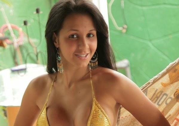 Mexico – La Zona Modelos – Carmella Barmella