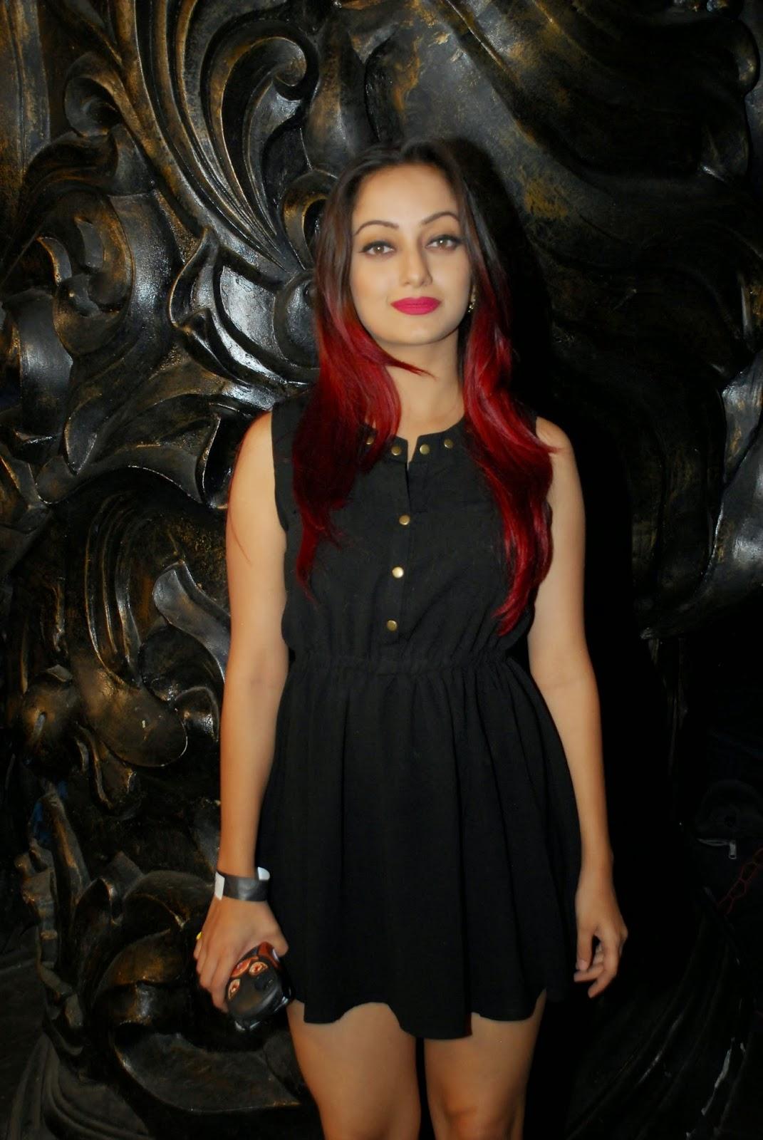 Manasi Naik Spicy Marathi Actress in Short Skirt at Marathi Movie Murder Mestri Launch