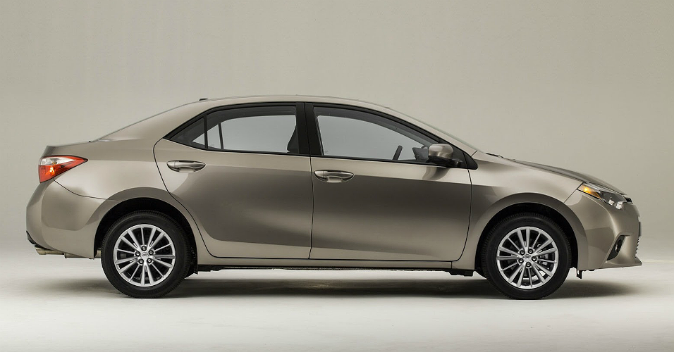 novo Toyota Corolla 2014 lateral