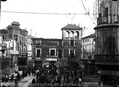 Calle Martín Villa La Campana