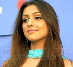 Aarti Chabaria simple look wallpapers
