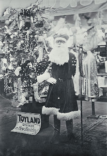 Father Christmas - Wikimedia Commons Public Domain