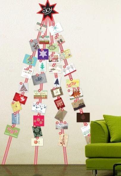 Árvores de natal criativa de parede com fitas e cartões