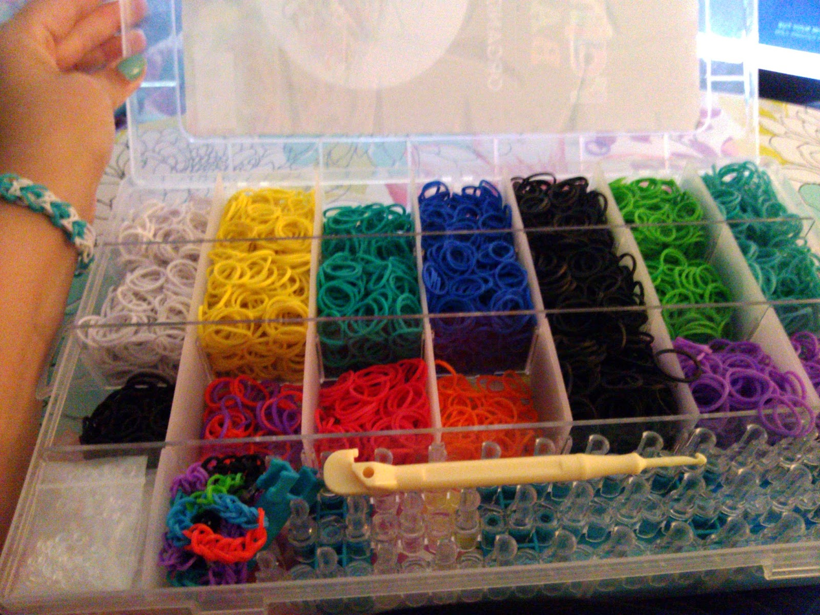 Rainbow Bandz Organiziation Box Review - Rainbow Loom